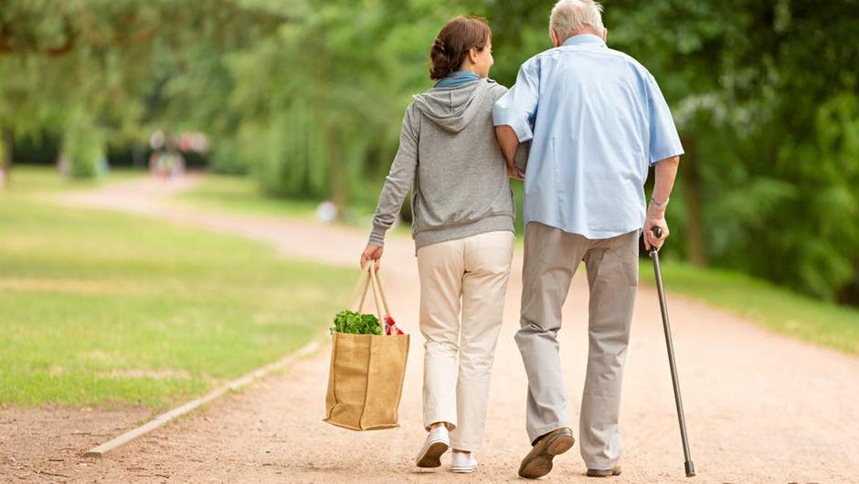 Accompagnement des personnes âgées : pourquoi un besoin de répit pour les proches ?