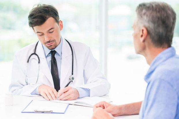 Comment s'exerce le rôle du médecin dans l'accompagnement médicalisé de fin de vie ?