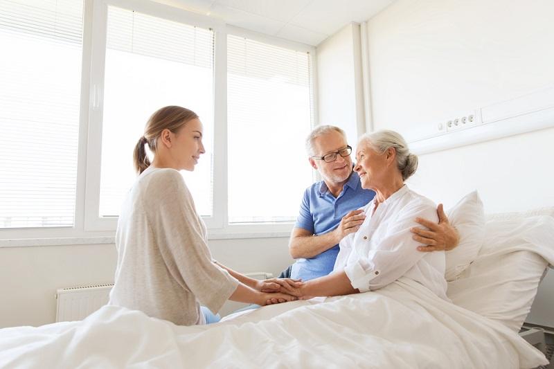 Comment doit se faire la communication avec un patient en soins palliatifs ?