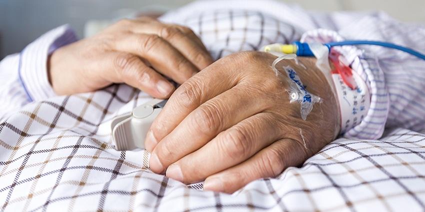 Malade en phase palliative : quel rôle doit jouer l'accompagnant ?