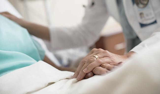 Les aides essentielles pour les proches des patients en fin de vie