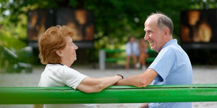 Faire des nouvelles rencontres quand on est vieux